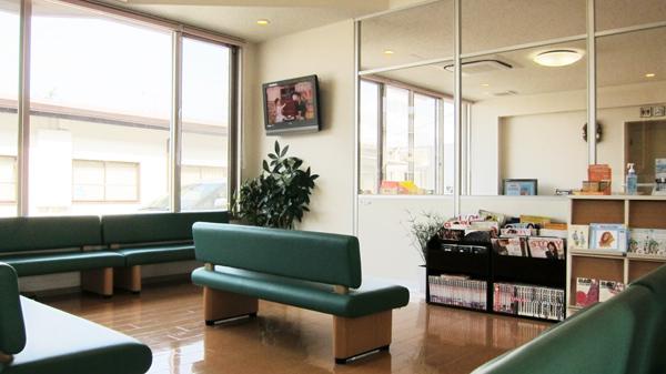 西村医院は、八幡西区楠橋にある病児保育にも対応した内科・小児科です